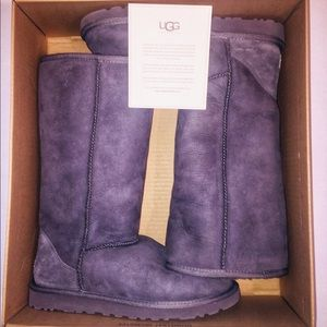NWB Tall Classic Grey UGG Boots-Size 8W (wide)